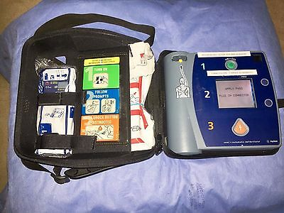 Agilent Heartstream FR2+ AED Defibrillator + 2 Batteries + 1 set of Pads + Case