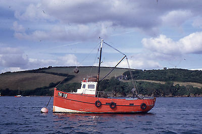 35mm SLIDE:  MARITIME : FISHING FLEET BOAT FROM TEIGNMOUTH IN CLOSE=UP 1975
