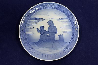 1958 Royal Copenhagen Christmas Plate, 'Scenery from Greenland', MELCHIOR