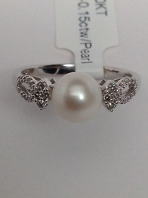 NEW 10K White Gold 7mm Cultured Pearl Ring with 0.15cttwt Diamond Accents Size 7