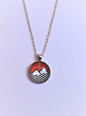 Twin Peaks Mountain Logo Glass Domed Silver Chain Necklace/Pendant