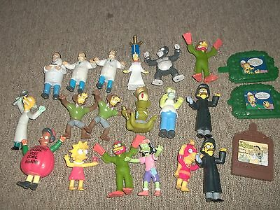 The Simpsons halloween toy figures 21 in Lot