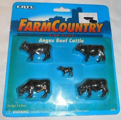 Ertl Farm Country 1/64 Angus Beef Cattle Set dated 1995