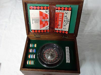 7 Game Wood Box Set Roulette, Chess, Dominoes,Cribbage, Poker Dice,Checkers
