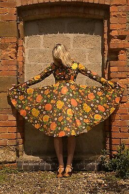 Amazing Vintage 1960s Floral Print Full Circle Skirt Party Dress M 12