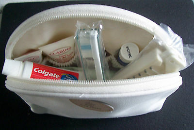 """""""Emirates"""" Airline bag with 8 toiletry items (approx 190mmx140mmx65mm)"""