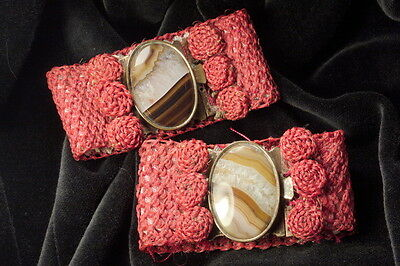 PAIR ANTIQUE VICTORIAN ENGLISH GILT NATURAL BANDED AGATE CUFFS BRACELETS c1850
