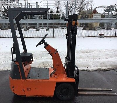 1994 Toyota Ultra Compact FB5 1000lb Forklift, Pneumatic Ride On Electric