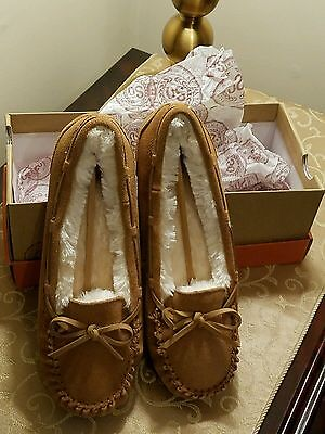 Women's  Moccasin Slippers Size 7 M Chestnut Brown Suede NIB