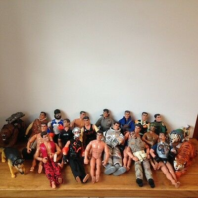 Job lot of 18 Action Man figures and 4 animals (bear, tiger dogs) from the 1990s
