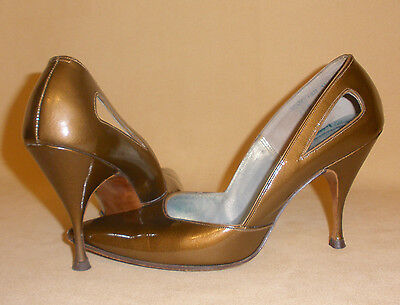 1960's Bronze Metallic Pointed Toe Spike High Heel Shoes by Chandler's Sz 5 1/2