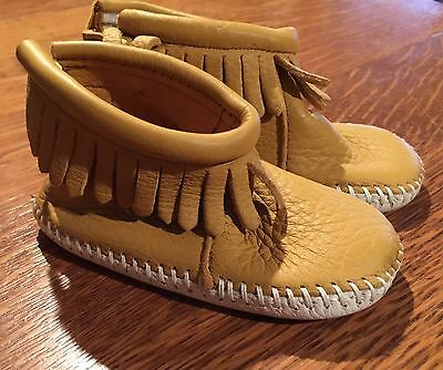 Minnetonka Moccasins Baby Bootie Tan Leather Size 3 Infant Moc's Shoes Velcro