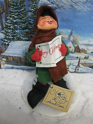 """ANNALEE 8"""" Caroler Boy 1957/1981 Mint With Tag ( 1636)"""