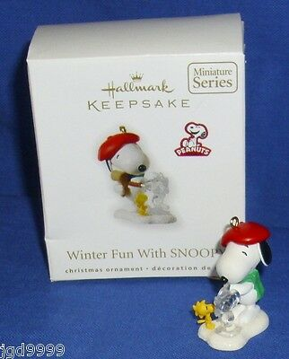 Hallmark Miniature Ornament Winter Fun With Snoopy #13 2010 Ice Sculptor Artist