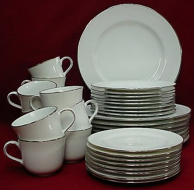 ROYAL DOULTON china SIMPLY PLATINUM pattern 44-pc SET SERVICE for EIGHT (8)