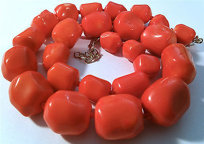 """Vintage Salmon Coral Necklace Chunk Beads, 19 1/4"""" (48,8cm) long."""