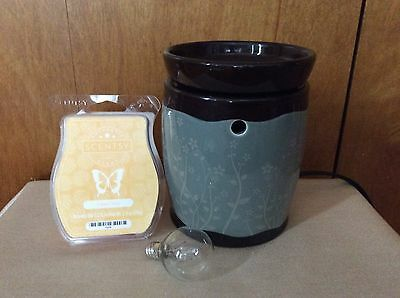 Discontinued Scentsy Warmer PEMBROOK Mid Size w/new bar!