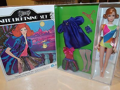 GOLD LABEL TWIST n TURN SPECTACULAR STACEY DOLL NITE LIGHTNING MINT IN SHIPPER