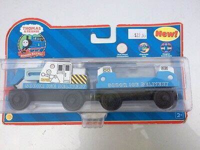 Thomas & Friends Wooden Railway Ice Delivery Cars (LC99126) - NIB