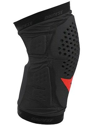 Dainese Black - Red 2016 Trail Skins Pair of MTB Knee Guard