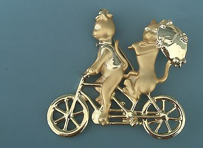 Adorable Vtg Singed AJC Cat Couple Brooch On  Tandem Bicycle In Gold Tone Metal.