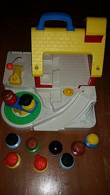 Vintage 1992 Fisher Price Play Family Village Little People Building