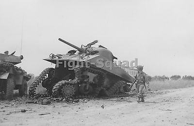 WW2 Picture Photo M4 Sherman in Italy that hit a large Anti tank mine  1582