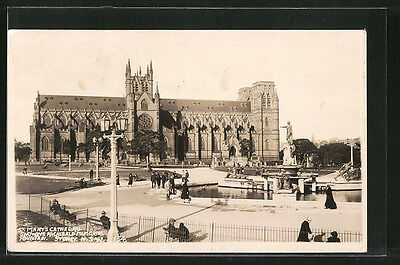 tolle AK Sydney, St. Mary´s Cathedral showing Parchibald Memorial