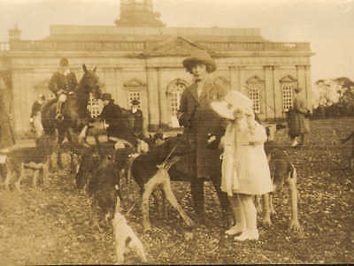 1924 photo linlithgow & stirling hounds at hopetown house .social view !