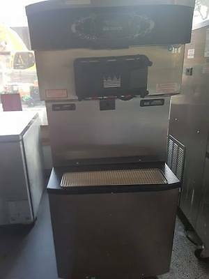 Taylor Crown C712 Frozen Yogurt/ Soft Serve Machine C712-58