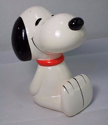 Vintage Peanut Snoopy Piggy Bank Ceramic with Stopper Japan