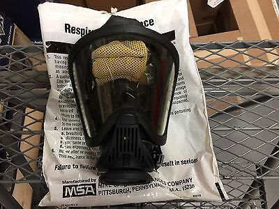 MSA Ultra Elite Full Facepiece-Push To Connect- Size Medium- Gently Used Demo