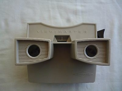 Sawyers View-Master Model (G) 3-D Viewer Light Beige with Black Advance Belgium