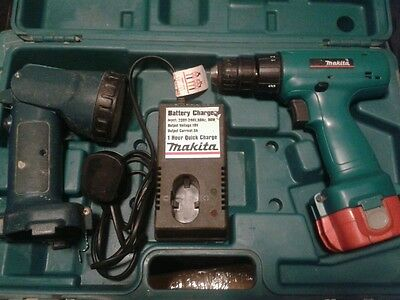 MAKITA 6227D DRILL / DRIVER, 12V  with torch, charger, 1 battery and case.
