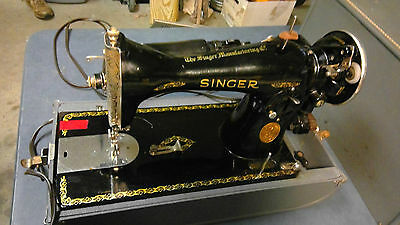 1933 15-91 Singer Sewing Machine with Pedal control and storage Case (One owner)