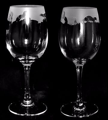 *OTTER GIFT* Boxed PAIR 35cl CRYSTAL WINE GLASS with OTTER Frieze