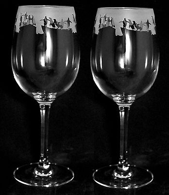 *PENGUIN GIFT* Boxed PAIR 35cl CRYSTAL WINE GLASS with PENGUIN Frieze