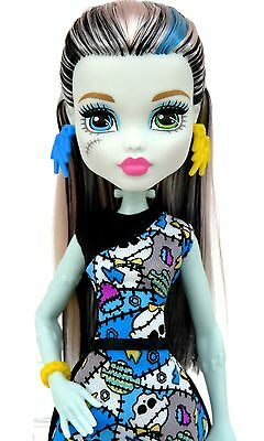 Monster High - Frankie Stein - Doll - Fashions - Clothes - Shoes