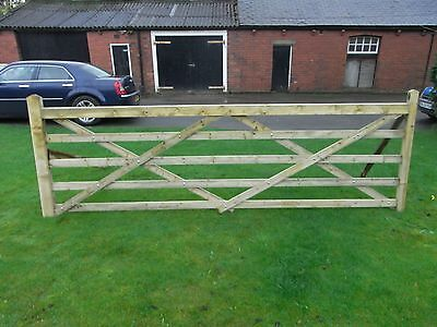 Timber gate 5 bar 12ft long planed and tanalised top quality great value