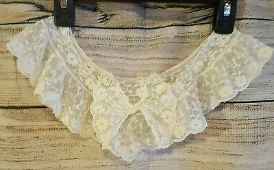 Vintage Lace Collar Antique Looking White Lace Bow
