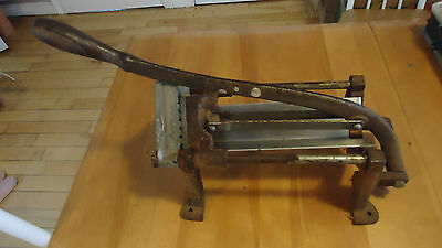 Vintage Bloomfield Mfg. Co. Cast Iron Wall Mount French Fry Potato Cutter,Press