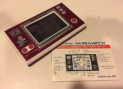 Nintendo Game & Watch : Mario's Cement Factory (1983 Retro pocket LCD game)