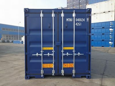 one way shipping container in blue or green