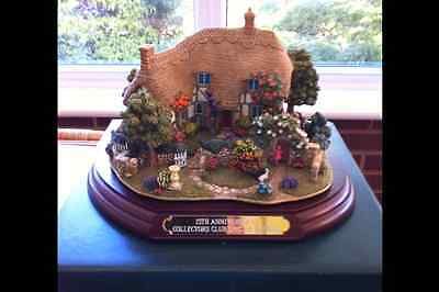 Lilliput Lane THE ENCHANTED GARDEN (Club - Exclusive) with box and deeds