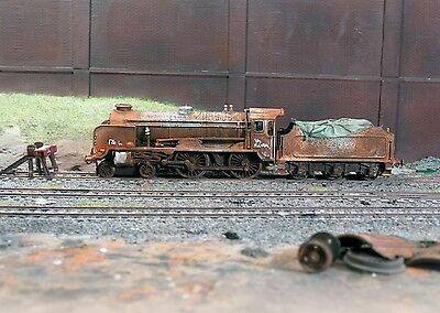 Scrapyard Southern Region Schools loco, heavily rusted & weathered