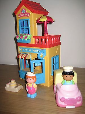 Early Learning Centre Happyland Mr Buns Bakers and Tea Room With Sounds+Figures