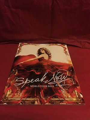 NEW 2011 World Tour Taylor Swift SPEAK NOW Tour Book including Poster
