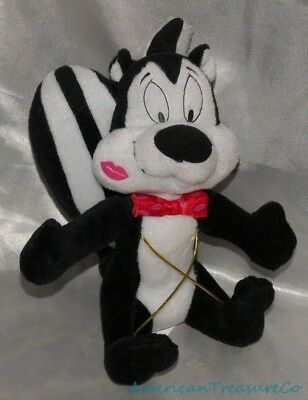 "Rare Warner Bros Looney Tunes Plush 9"" Pepe Le Pew Skunk w/Kiss Print & Bow Tie"