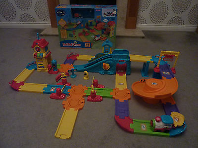 VTECH Toot Toot Train Station Set with box