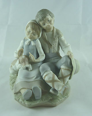 Beautiful Vintage Lladro Figure Boy And Girl With Puppy Matte #1230
